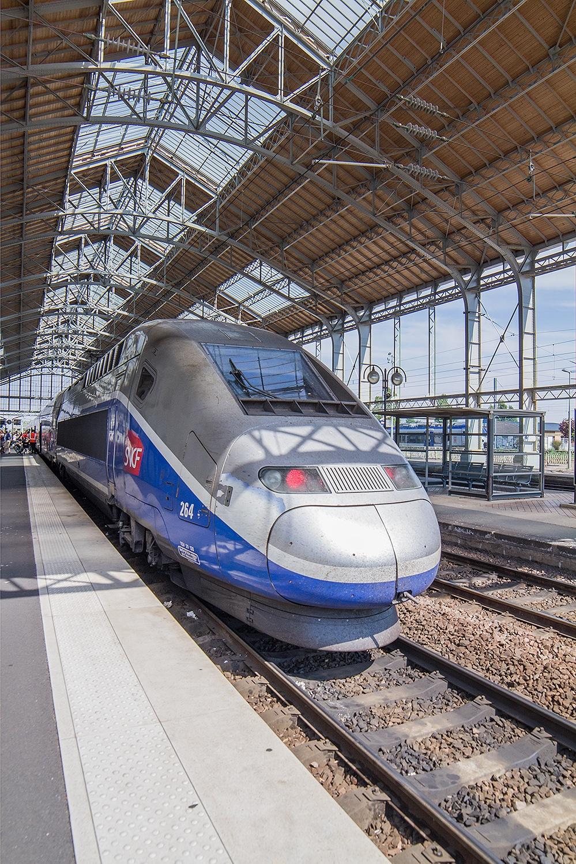 TGV qui rend Paris à 2h35 de La Rochelle – 9 trains partent de La Rochelle vers Paris chaque jour